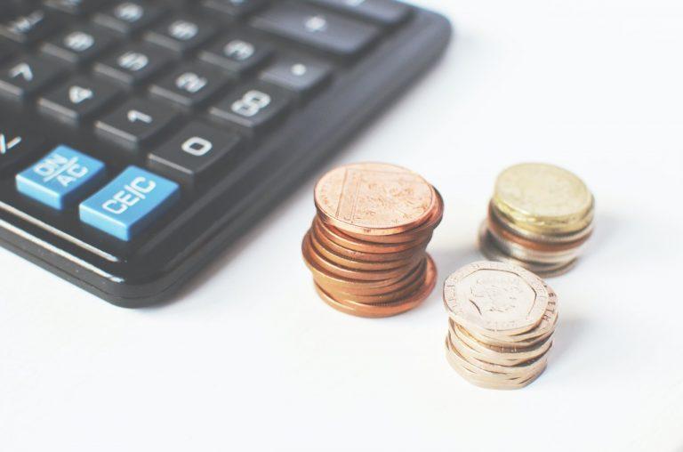 Renta básica y programas sociales