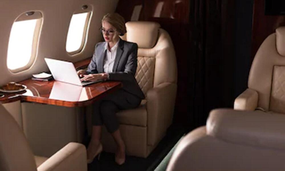 Diseño de cubículos  y separaciones internas en aviones