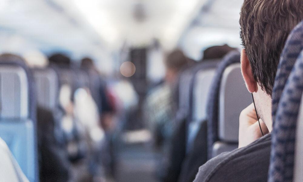 Distanciamiento social dentro de aviones comerciales