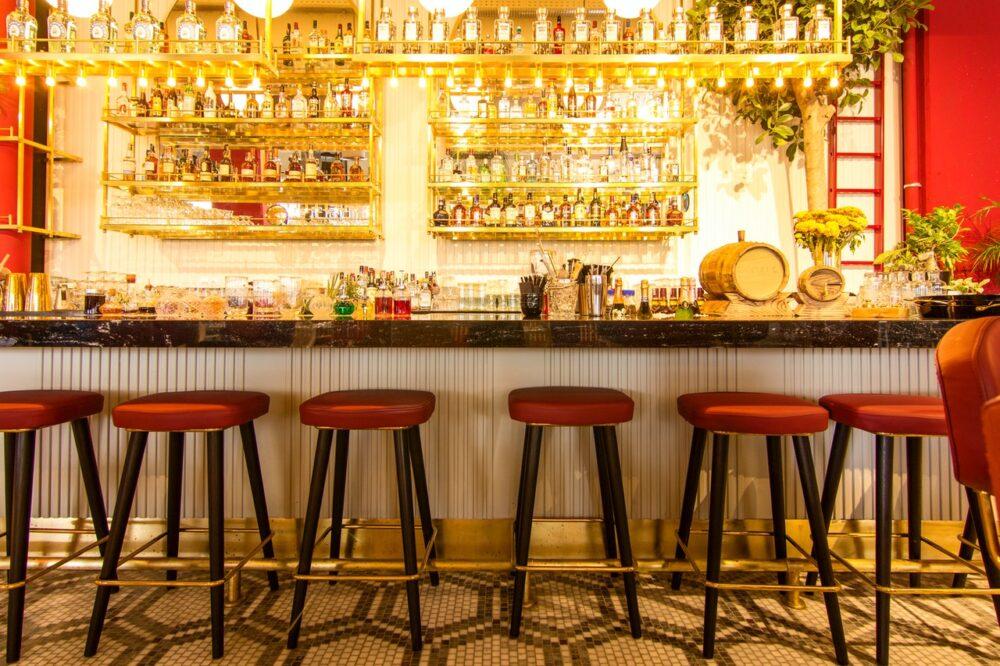¿Cómo van a adaptarse los bares y hoteles al coronavirus?