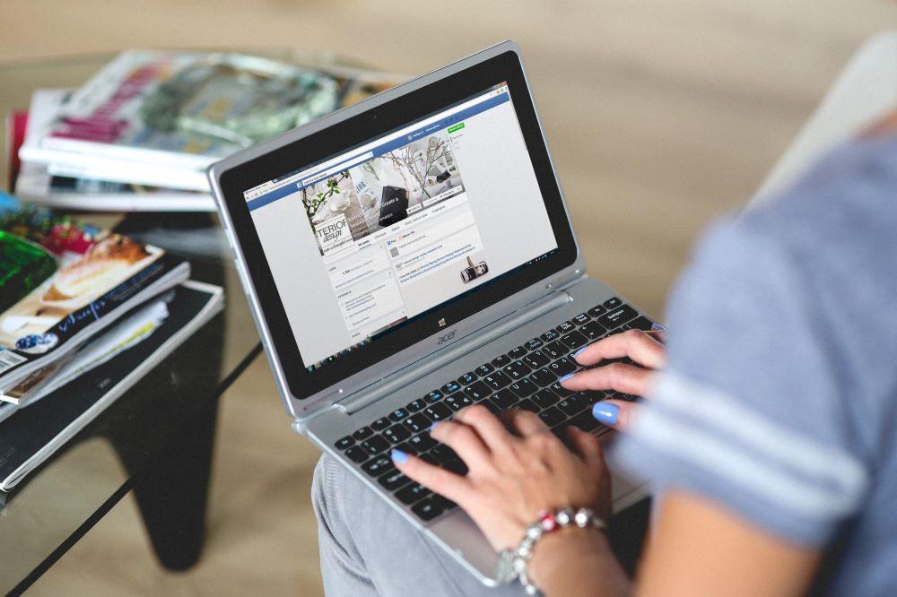 redes sociales generar dinero