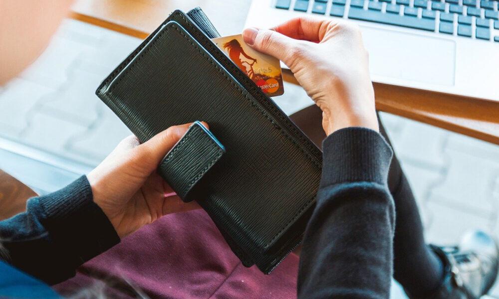 Descuentos especiales por uso de tarjetas de débito y crédito