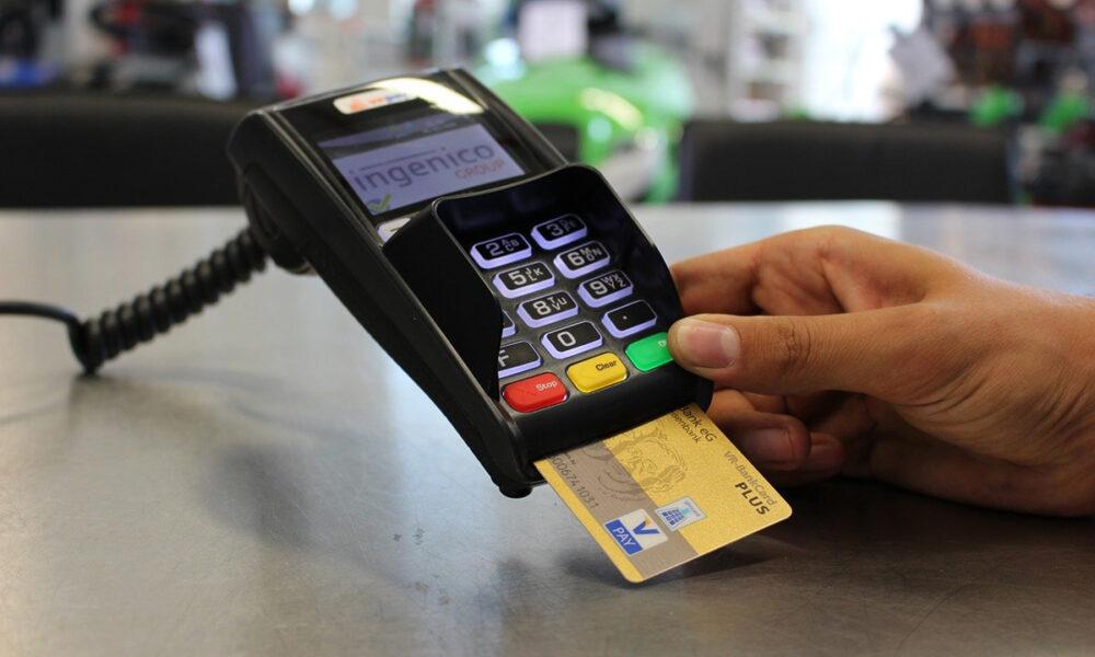 Modo de pago de las tarjetas de débito y crédito
