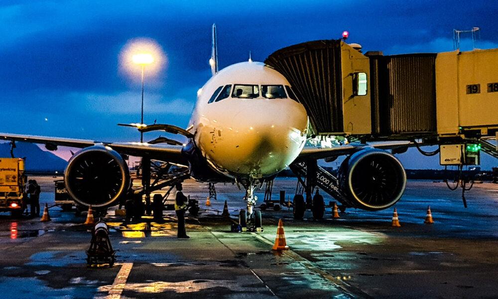 Sector de la aviación, uno de los más afectados por el coronavirus