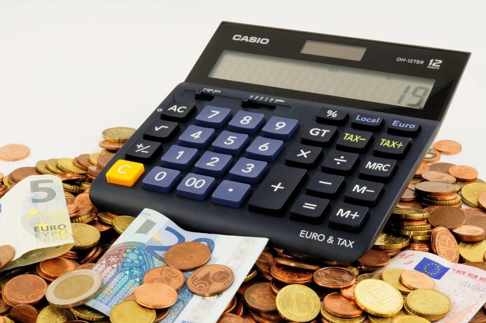 Impuestos españoles