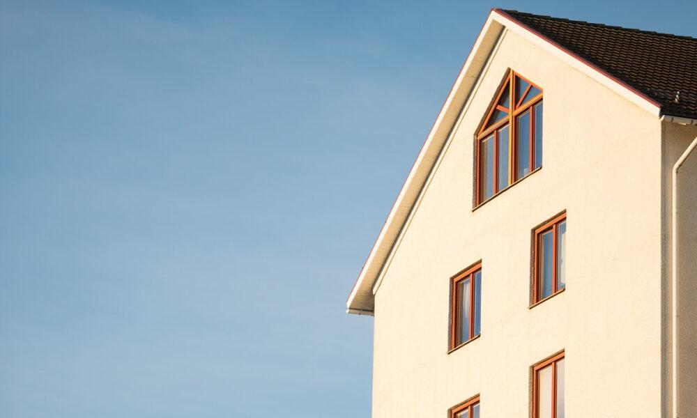 Beneficios de invertir en bienes inmuebles para multiplicar tus ingresos.