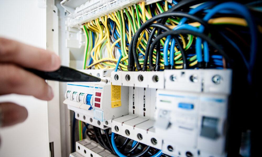Viabilidad de invertir en equipos y capacitación para realizar reparaciones a domicilio.