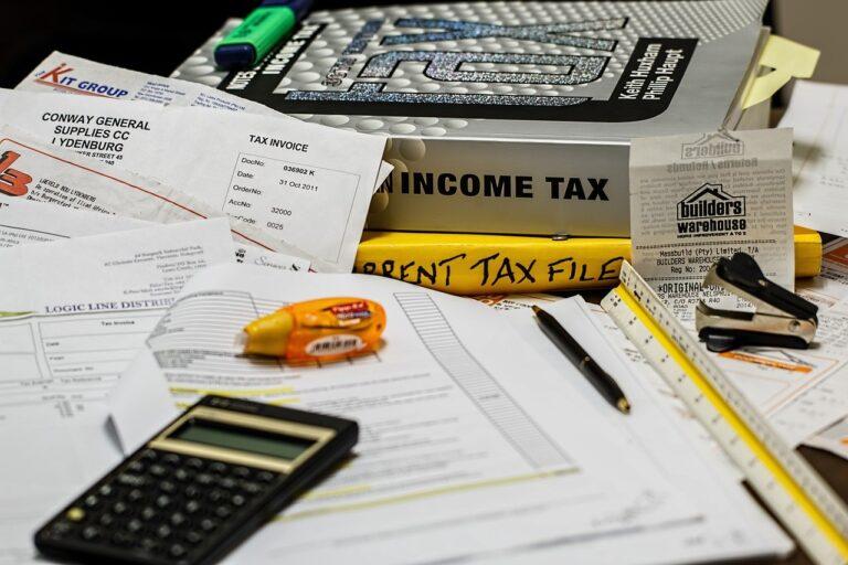 Qué impuestos paga una empresa en España