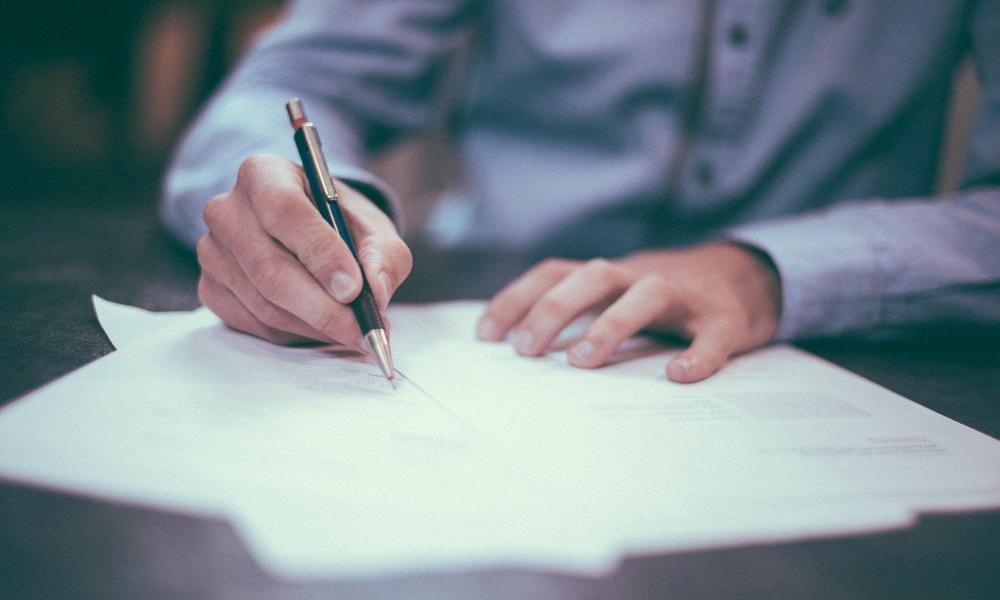 Firma contrato primera vivienda