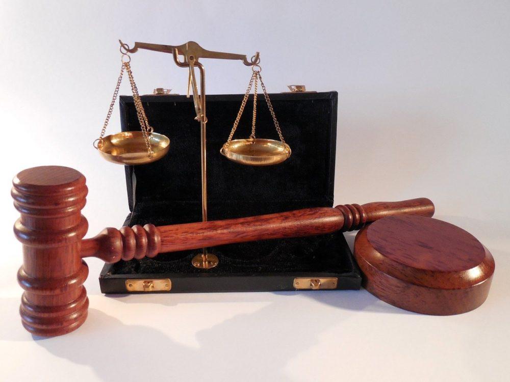 Puedes ser titular de derechos y obligaciones desde el nacimiento