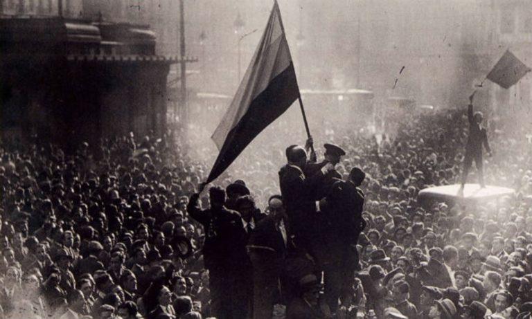 Los años 30 en España se caracterizaon por la Segunda República