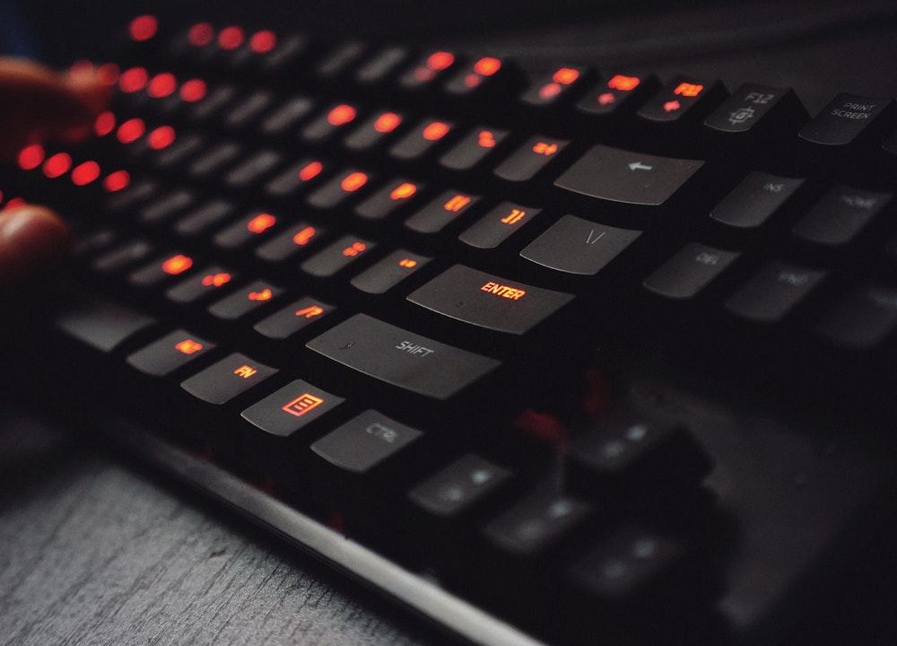 Un teclado inalámbrico hará que el teletrabajo sea más sencillo